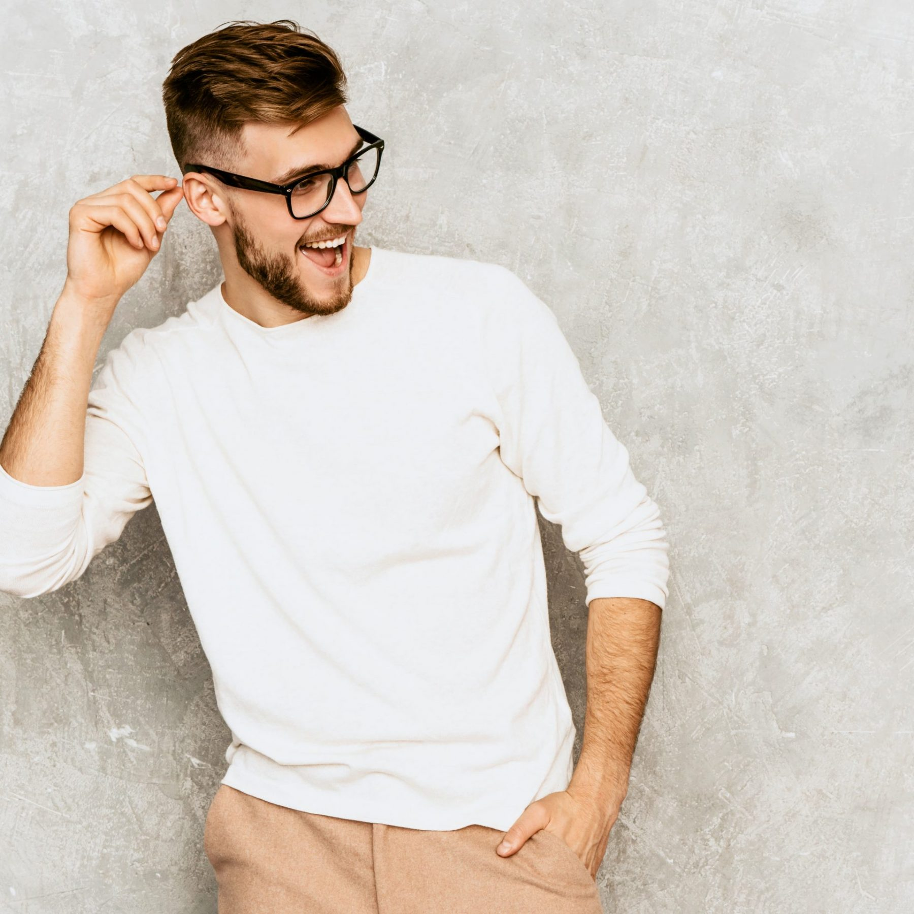 portrait-of-handsome-smiling-hipster-businessman-model-wearing-casual-summer-white-clothes (1)